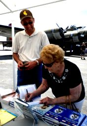 jerry-whiting-mom-signing